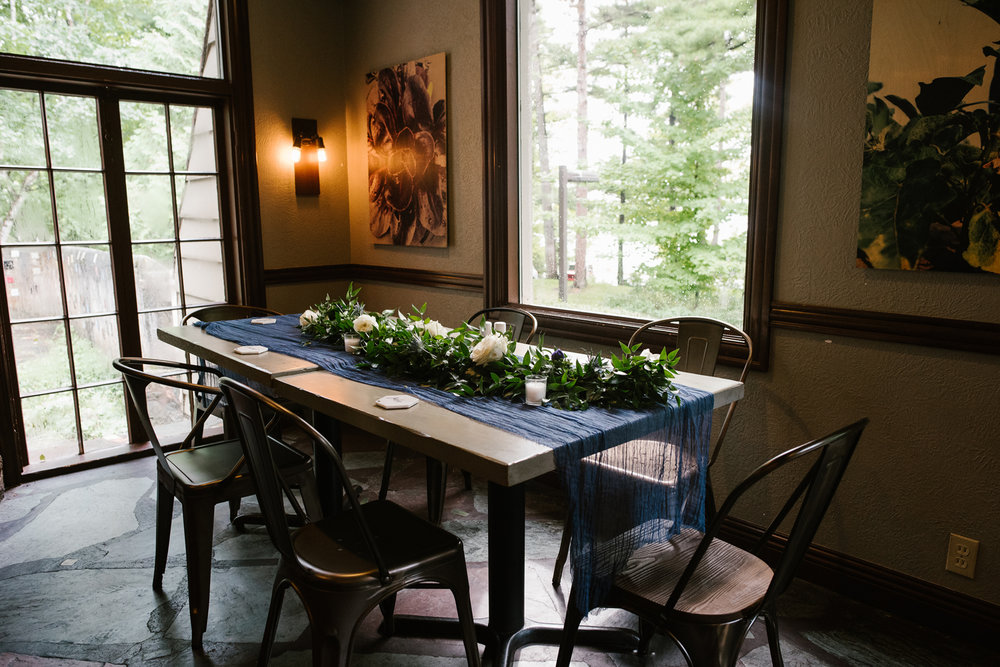 traverse-city-northern-michigan-wedding-mission-table-peninsula-room (3).jpg