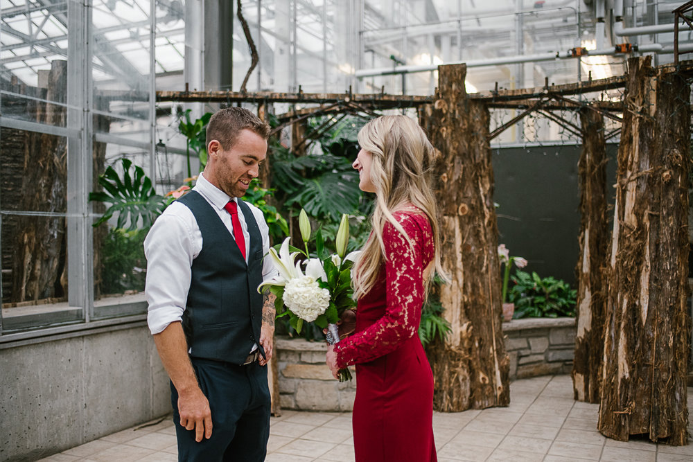 Frederik-Meijer-Gardens-Elopement-Grand-Rapids-Michigan-2.jpg