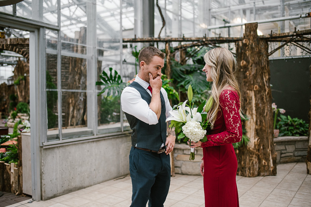 Frederik-Meijer-Gardens-Elopement-Grand-Rapids-Michigan-3.jpg