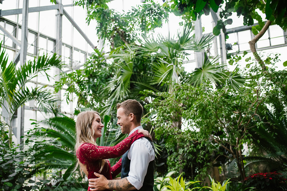 Frederik-Meijer-Gardens-Elopement-Grand-Rapids-Michigan-9.jpg