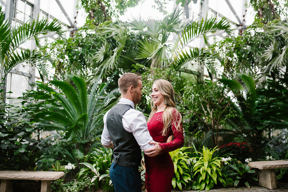 Frederik-Meijer-Gardens-Elopement-Grand-Rapids-Michigan-12.jpg
