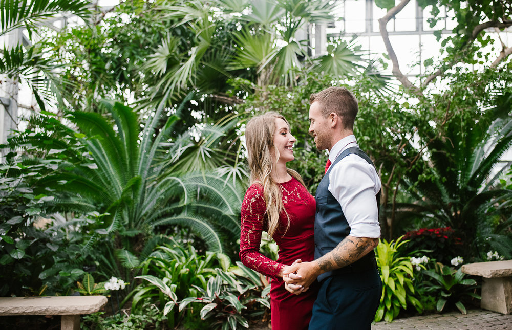 Frederik-Meijer-Gardens-Elopement-Grand-Rapids-Michigan-13.jpg