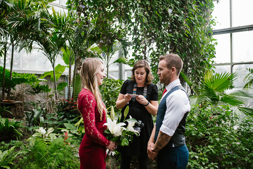 Frederik-Meijer-Gardens-Elopement-Grand-Rapids-Michigan-21.jpg