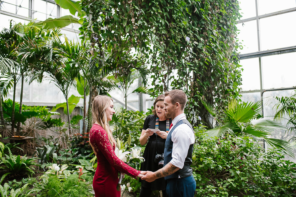 Frederik-Meijer-Gardens-Elopement-Grand-Rapids-Michigan-25.jpg