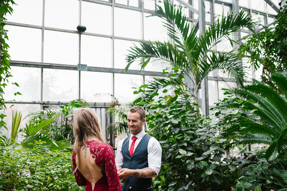 Frederik-Meijer-Gardens-Elopement-Grand-Rapids-Michigan-37.jpg
