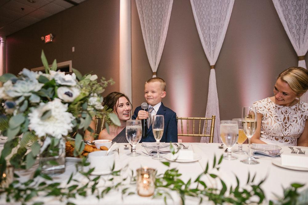 valparaiso-indiana-aberdeen-manor-wedding-photographer (135).jpg