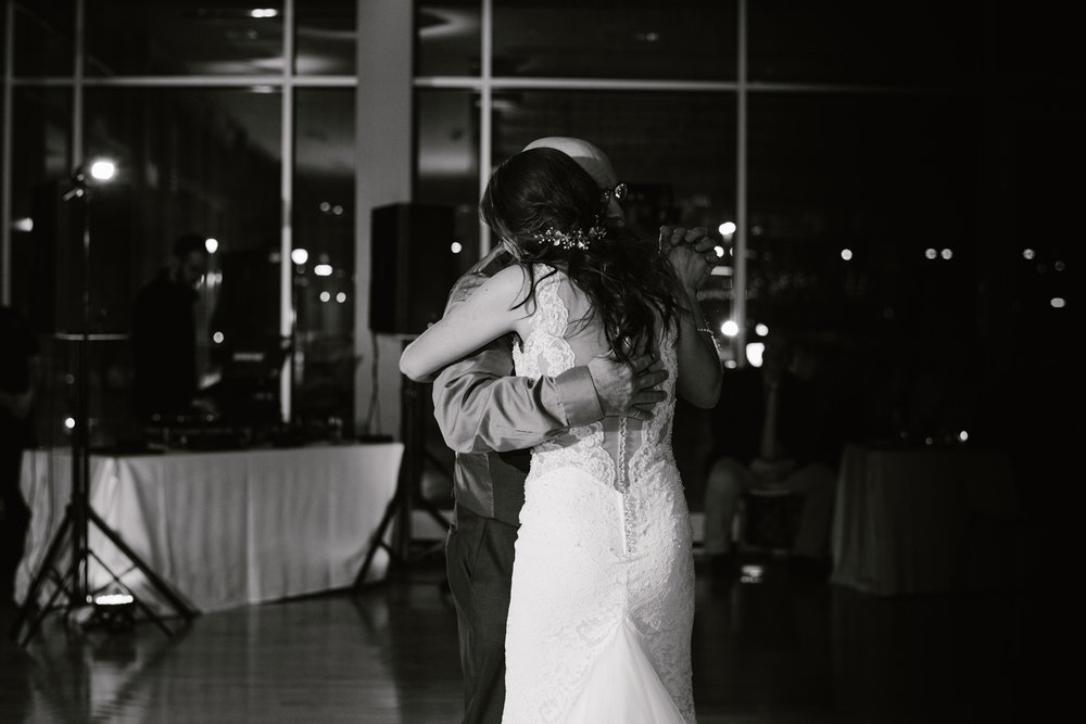 grand-rapids-downtown-market-wedding-photographer (168).jpg