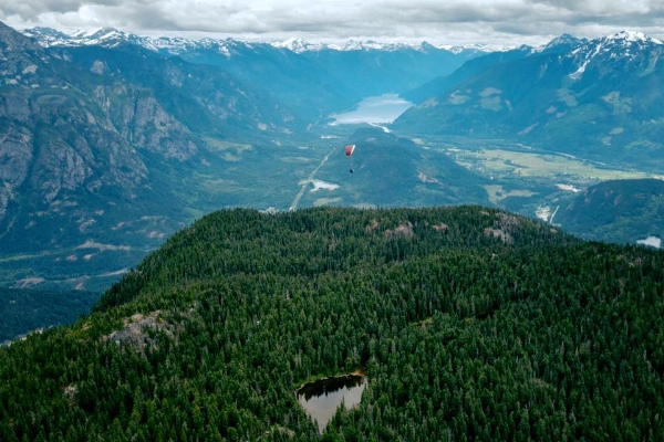 Photo from  www.facebook.com/seatoskyparagliding