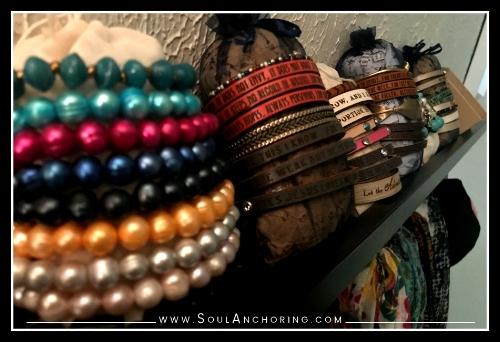 DIY Bracelet Organization || SoulAnchoring.com