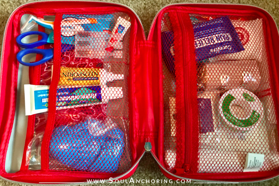 Prepare with Peace - DIY First Aid Kit || www.SoulAnchoring.com