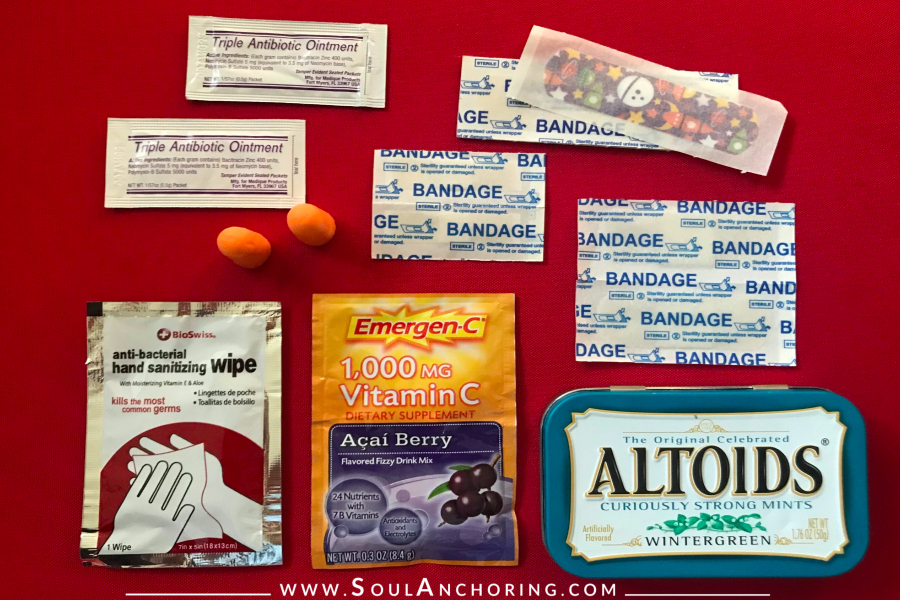 Altoid Tin Mini DIY First Aid Kit || www.SoulAnchoring.com