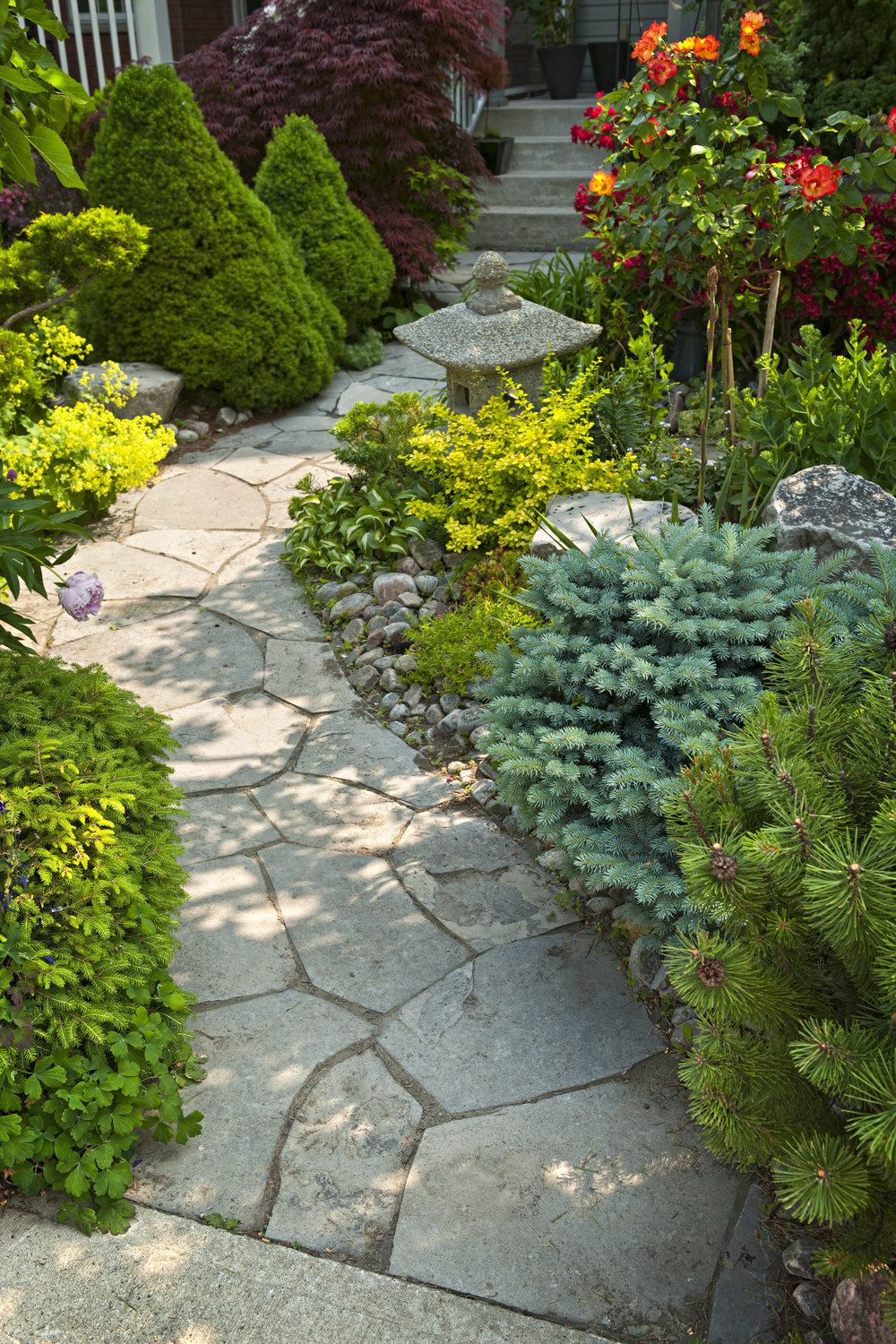 How to Spruce Up Your Sussex County, NJ, Landscape with Flagstone from Our Stone Supply