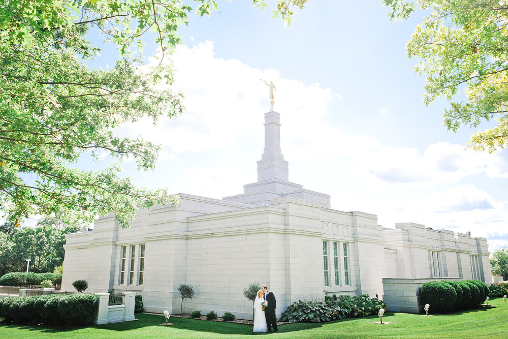 st_paul_lds_temple_wedding_010.jpg