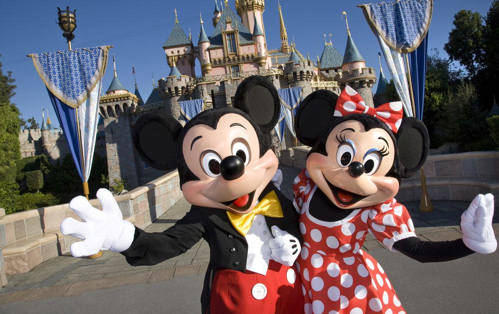 Headed-to-Disneyland-this-Spring-Grab-These-Deals-Before-You-Go-4f857bcba48a4f47ba8ff00da4a09ba5.jpg