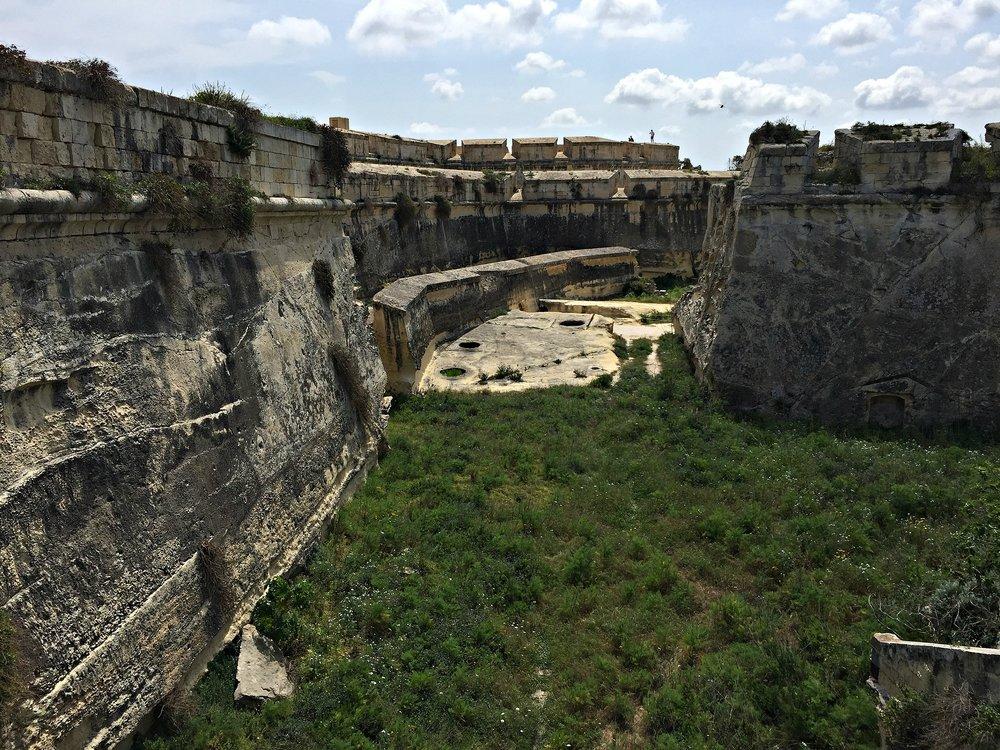 fortification of fort manoel