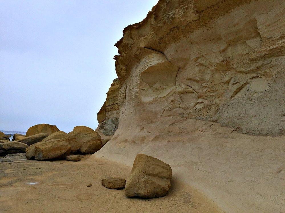 malta gozo rocks
