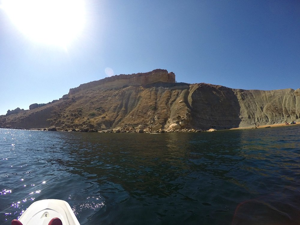 gnejna bay malta on kayak
