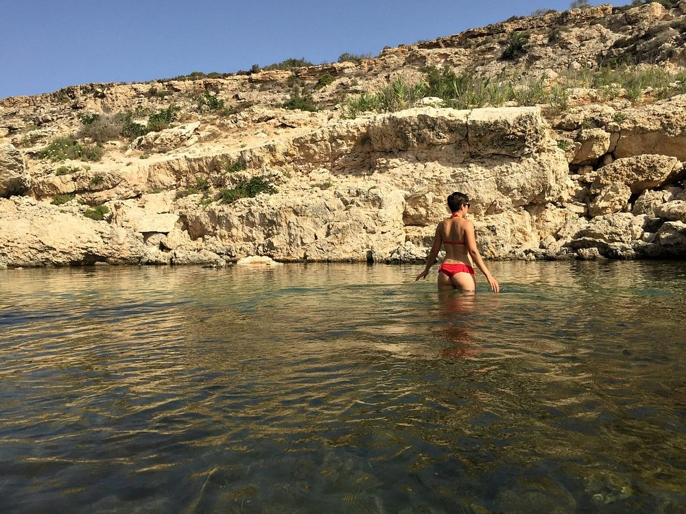 swimming at slugs bay malta