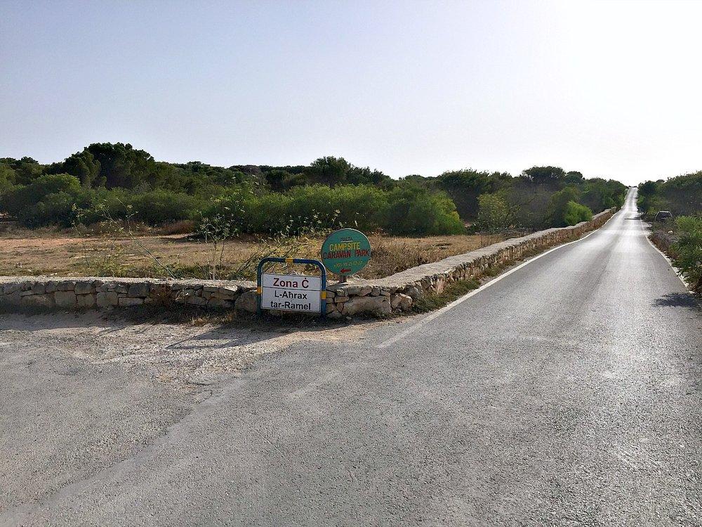 L-Ahrax road