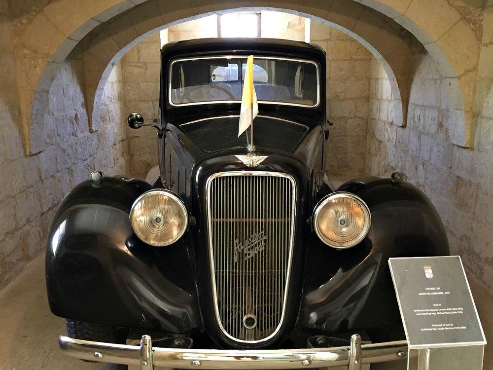 austin six limusine 1937 malta