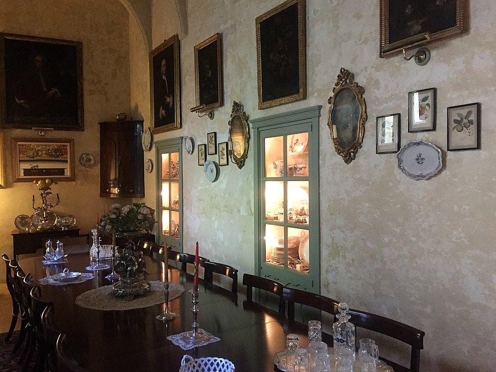 villa bernard dining room malta