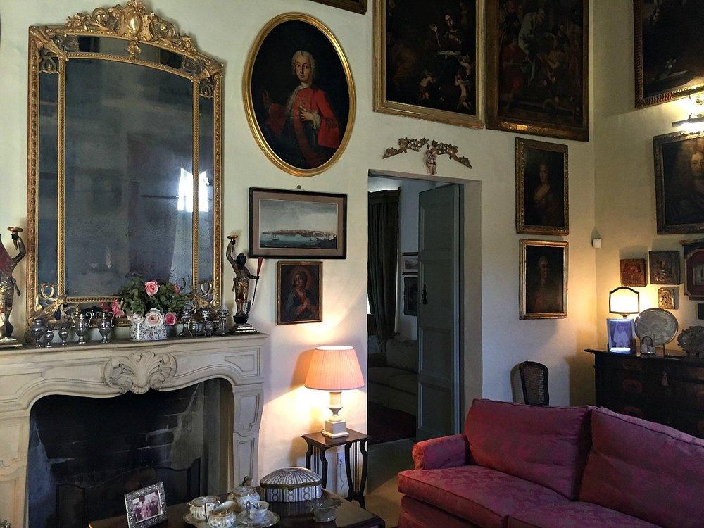 villa bernard sitting room