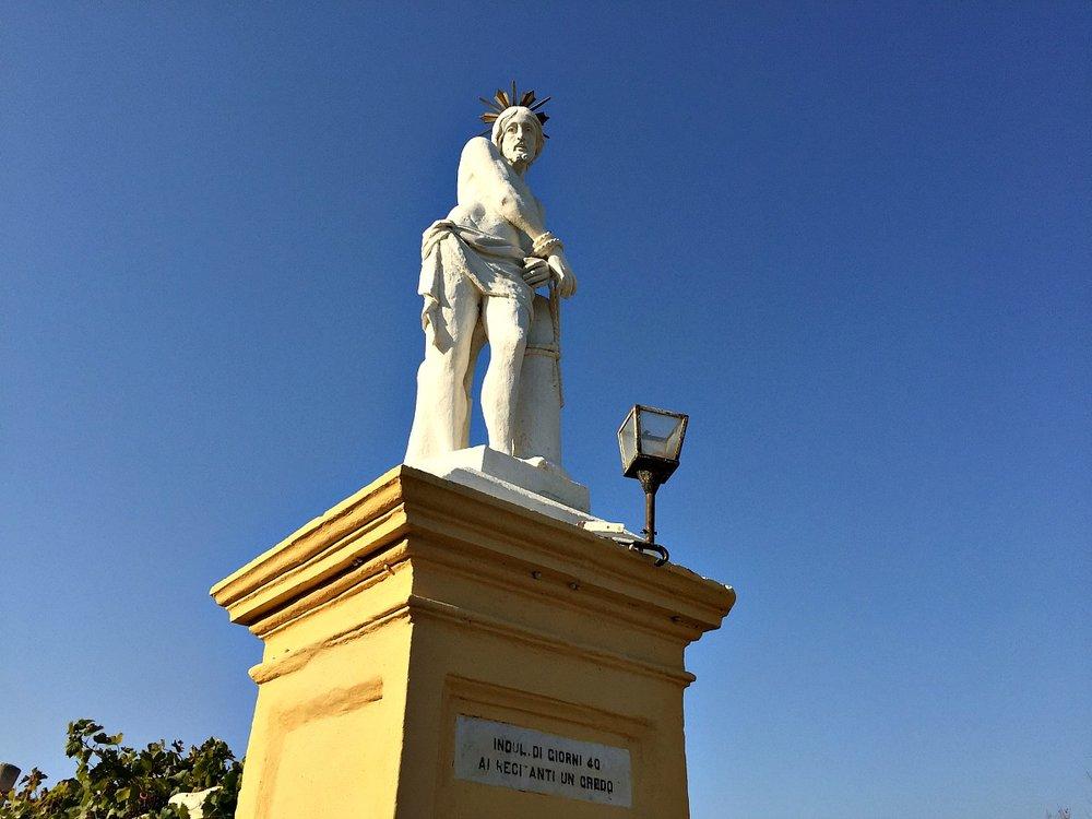 laferla cross footpath statue