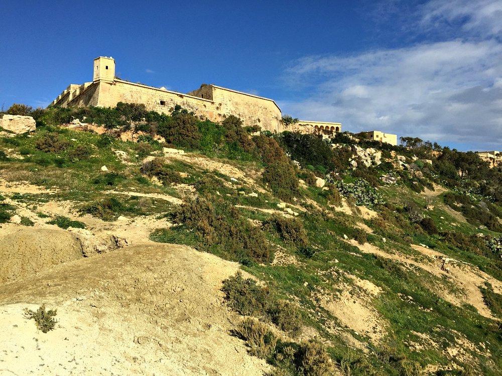 walk around fort chambray in gozo