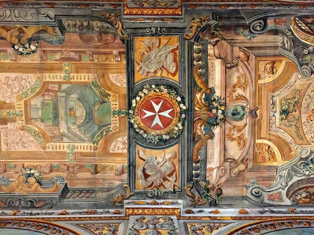 grandmaster's palace in valletta ceiling