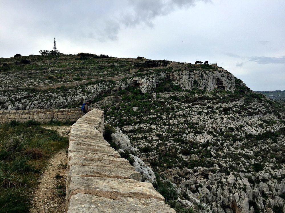 victoria lines malta trek