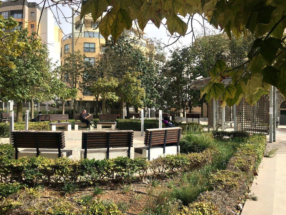 spinola garden in st julians