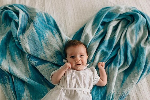 Beautiful little love! Jasper was so happy for his family session, especially snuggled in on this very special wrap his mama dyed and wove! 😍