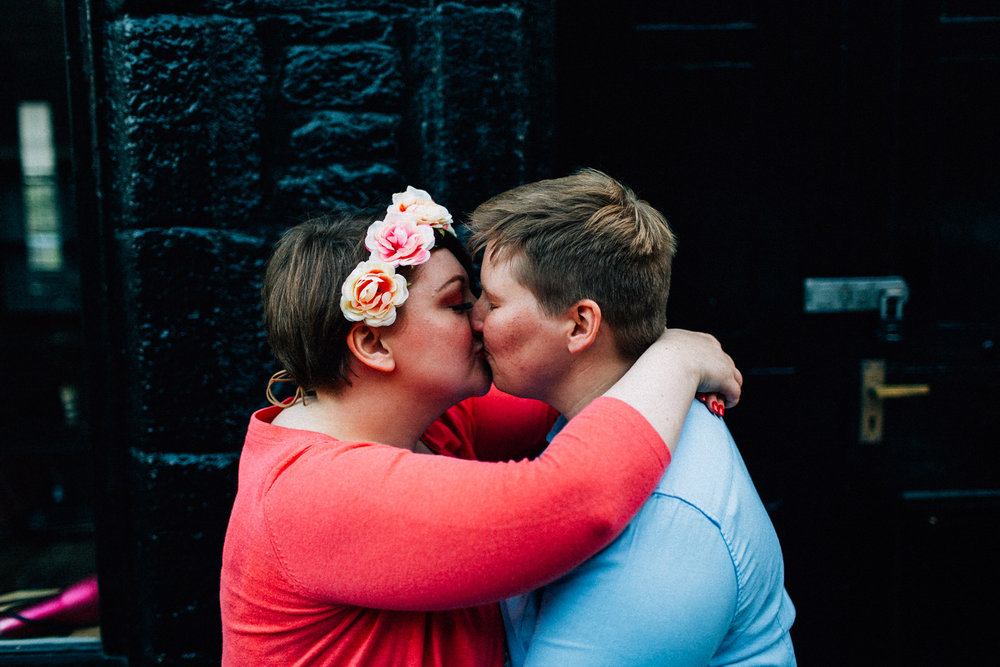 edinburgh scotland engagement session kendall lauren shea feminist lgbtq wedding photographer coordinator seattle tacoma portland washington seattle garden floral photography