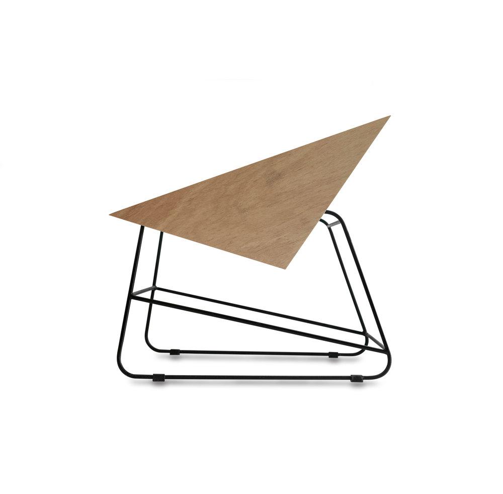 pOLTRONAS pascal  (PSPO)   dimensões:   (LxPxa): 62x65x64cm   acabamentos:  compensado naval 18, concreto e cumaru sarrafeado  opcional - almofadas em couro natural