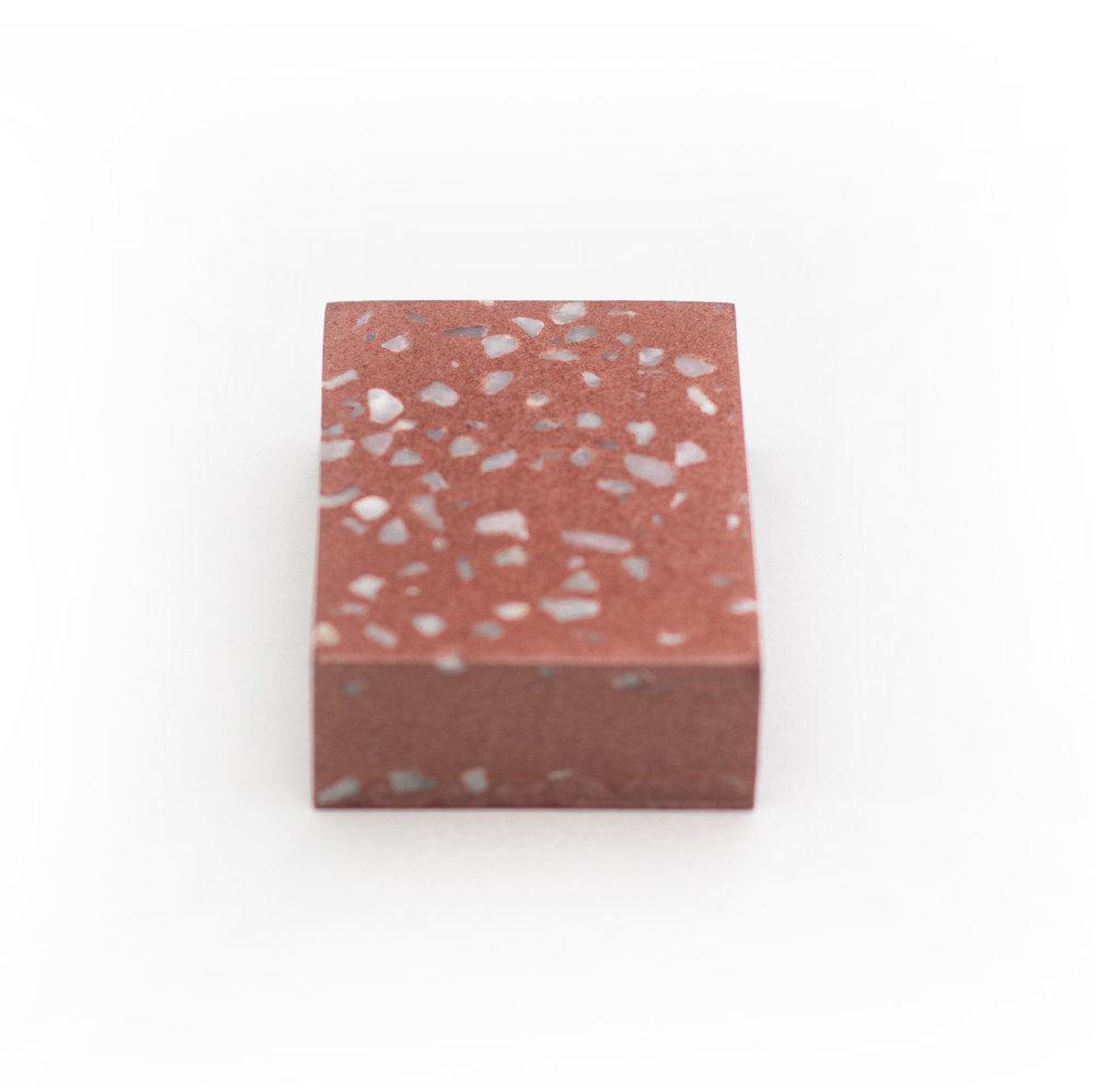 granilite terracota com pedras brancas - cod grt01