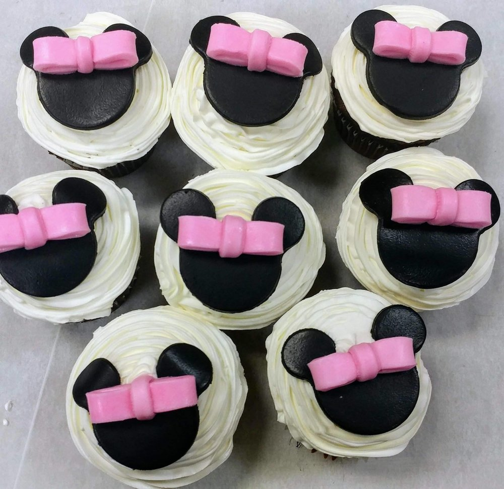 Minnie with Bow Cupcakes