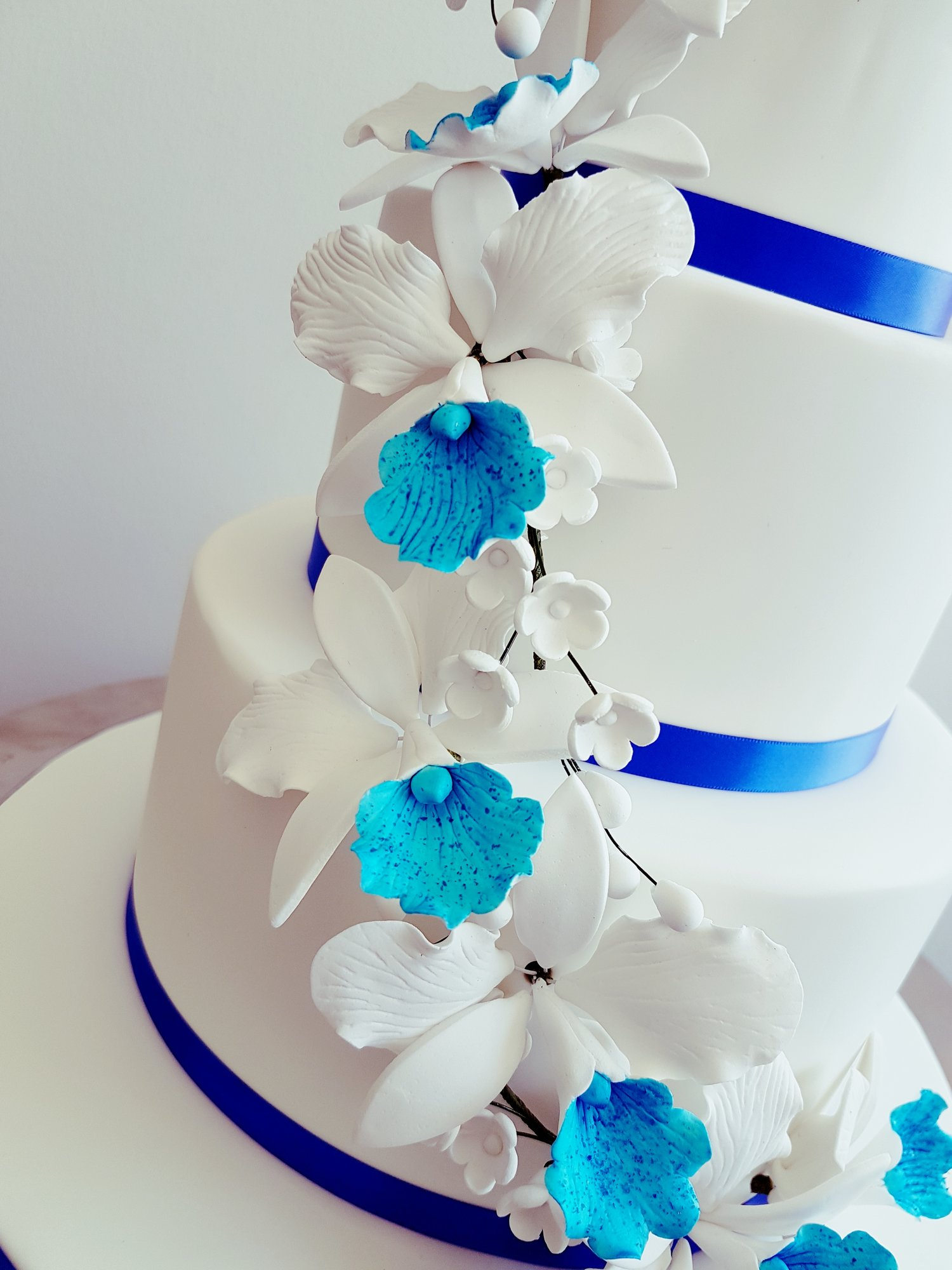 Celebrations Cakes By Kelly Bespoke Hand Made Wedding Cakes In