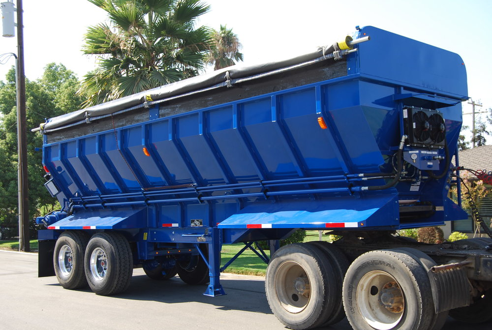 31' V-Bottom Semi Manure Spreader