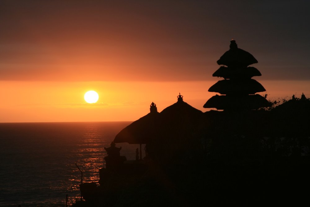 temple-tanah-lot-at-sunset.jpg