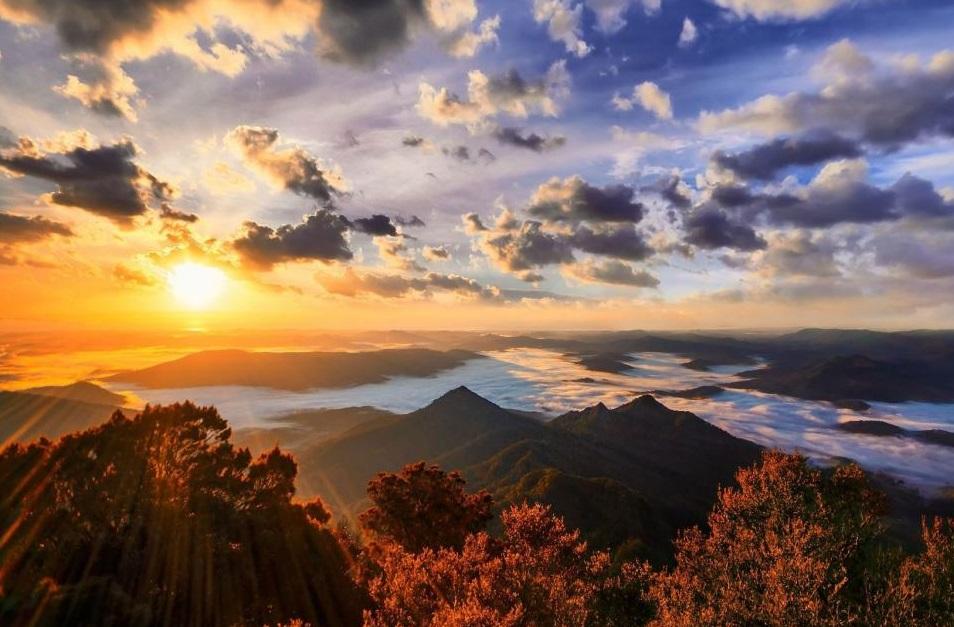 Sunrise_Batur.jpg