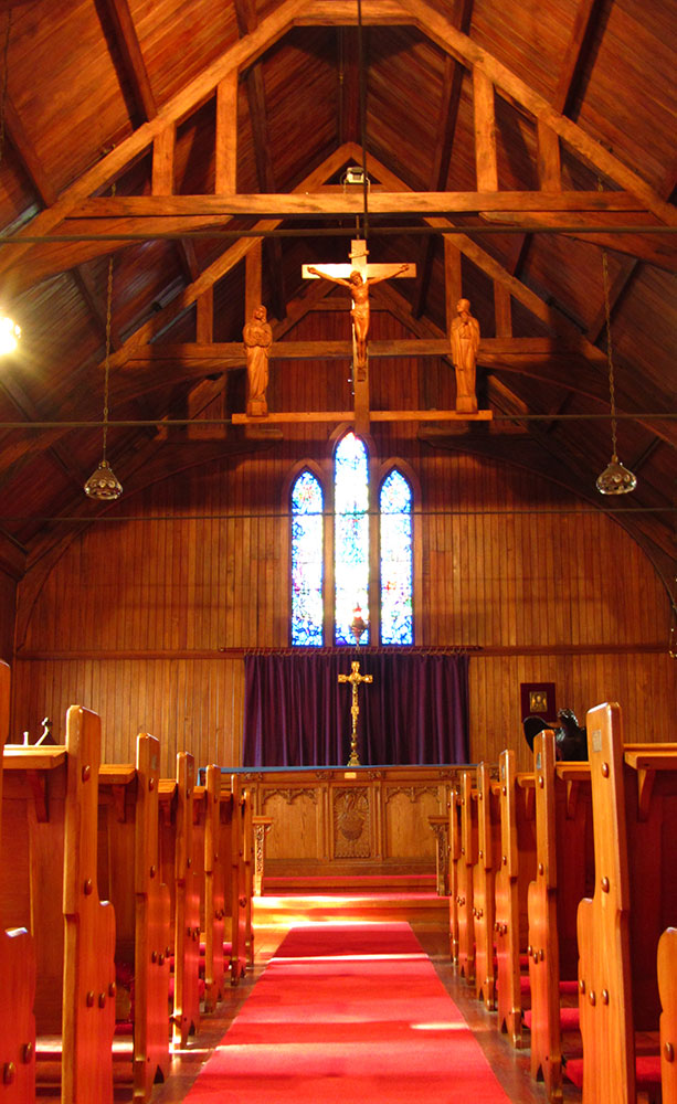 Inside-St-Barnabas-Chruch,-Roseneath,-Wellington---1000.jpg