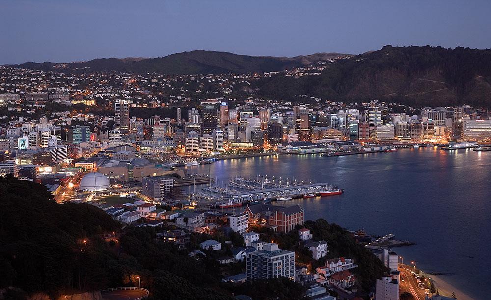 Wellington-harbour-by-night---1000.jpg