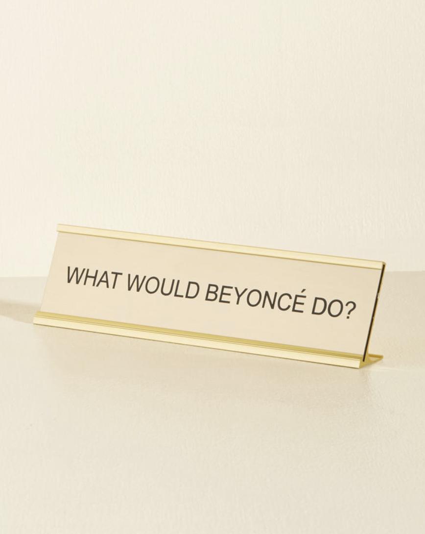 Beyonce desk