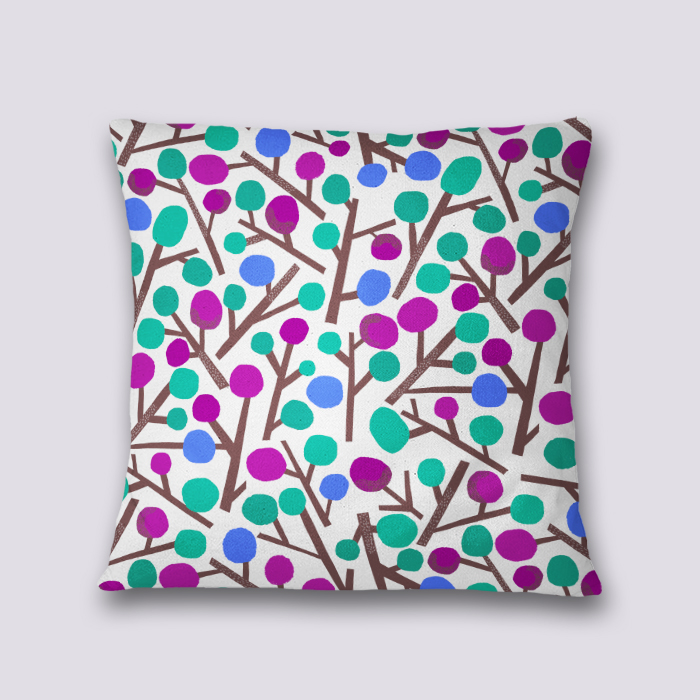 Lilly Pilly - Throw pillow