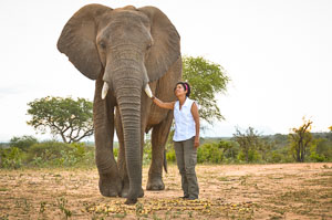 Dr-Paula-Kahumbu-19-of-35.jpg