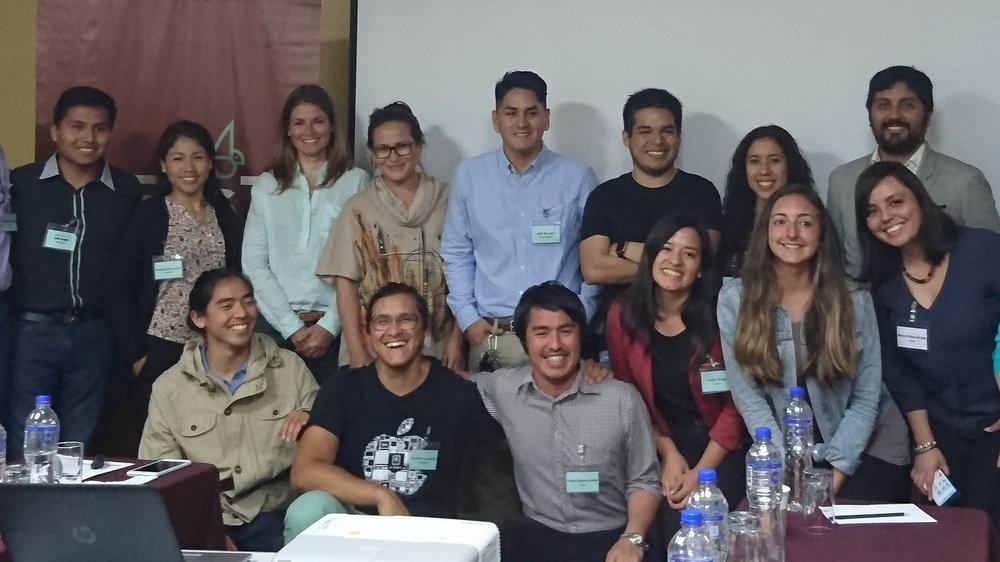 Llamando a emprendedores sociales en Chile, Colombia, Ecuador y Perú - ¿Estás listo para cambiar el mundo con tu empresa social? Podemos ayudar