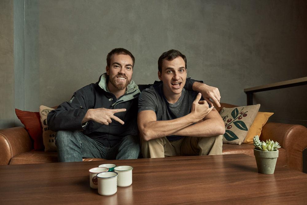 Esquerda para Direita: Vinicius da Justa e Alexandre Messina | Foto: Bruno Fujii para NESsT