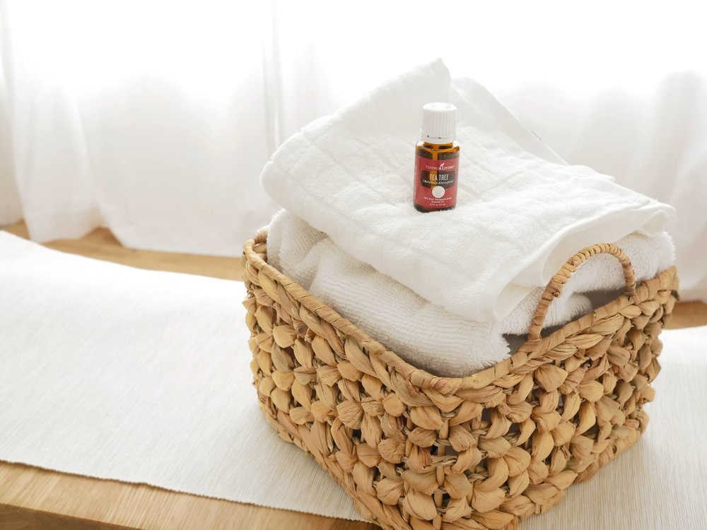 Essential-Oil-Tea-Tree-Laundry-Fresh-Towels-Clothing-Wool-Dryer-Balls-Young-Living-The-Oily-Home-Companion.jpeg
