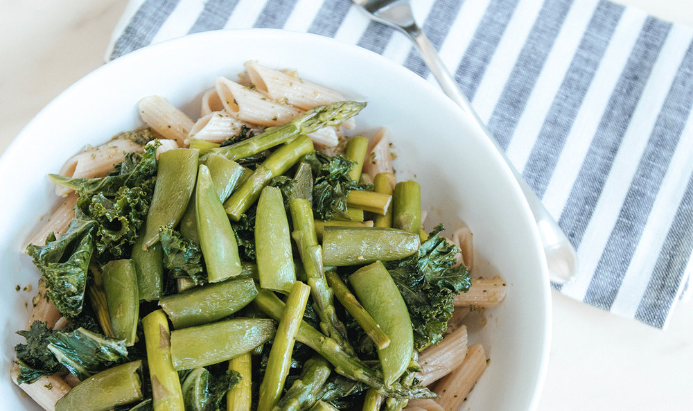 GLUTEN-FREE PESTO PENNE PASTA WITH VEGETABLES