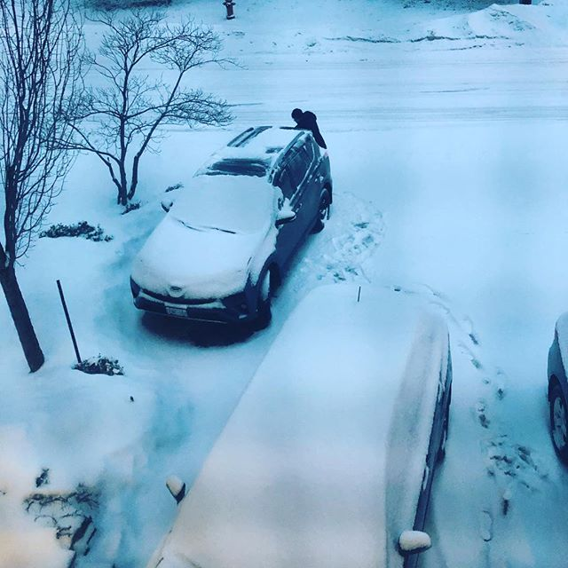 tfw when your partner gets up earlier than normal to shovel snow off your car 😍🖤🙌🏽 #snow #canada #toronto